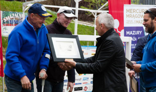Zakończenie Burmistrz Witkowicz gratuluje złodze Maribo